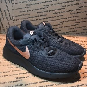 Nike Tanjun Women's Black Metallic Running Size 9